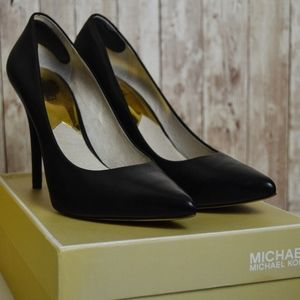 Michael Kors Joselle Pointed Toe Pumps Size 9